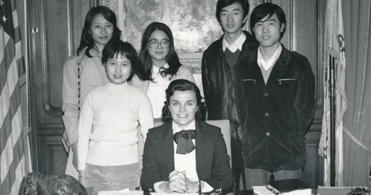 mayor dianne feinstein welcomes first students from shanghai sfcm mayor dianne feinstein welcomes first