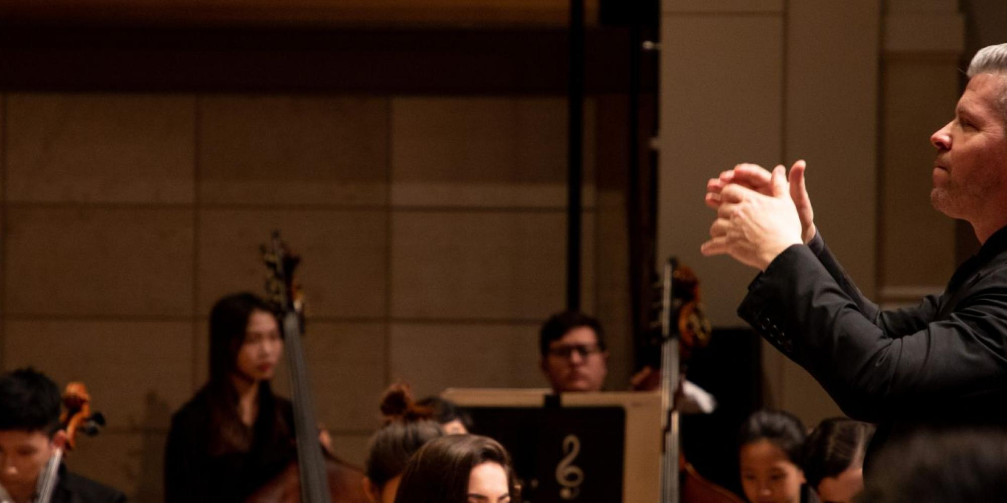 Edwin OUtwater Conducting SFCM Orchestra