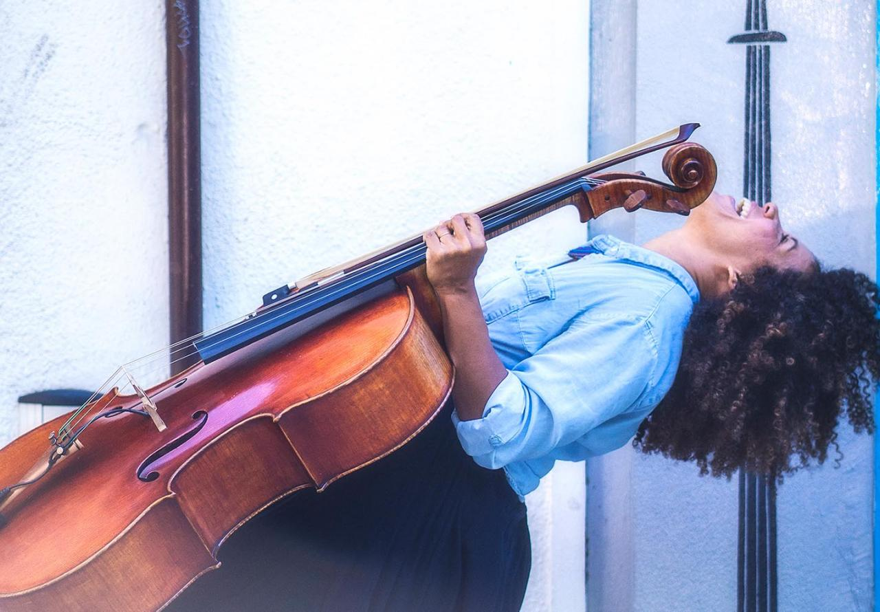 A photo of student and cellist Mia Pixley