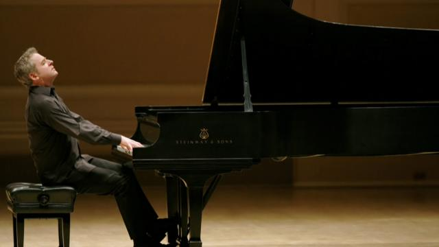 Jeremy Denk playing piano